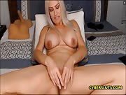 SexyEyes69me Sexy MILF fucking her gorgeous pussy with her toys