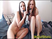 JuliaJay Girls Love To Play With Toys Lesbo Cam