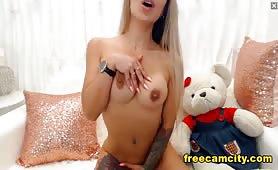 XOneInAMillionX Freakin Hot Tatted Girl On Cam!