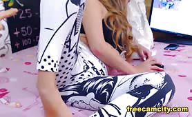 SquirtMia DM Me On Free Live Cam!