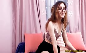 Ariana_X_Petite Brunette Babe Special Moves Showing Live