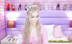 GentlyHelena Stunning & Beautiful Must Watch Cam Girl
